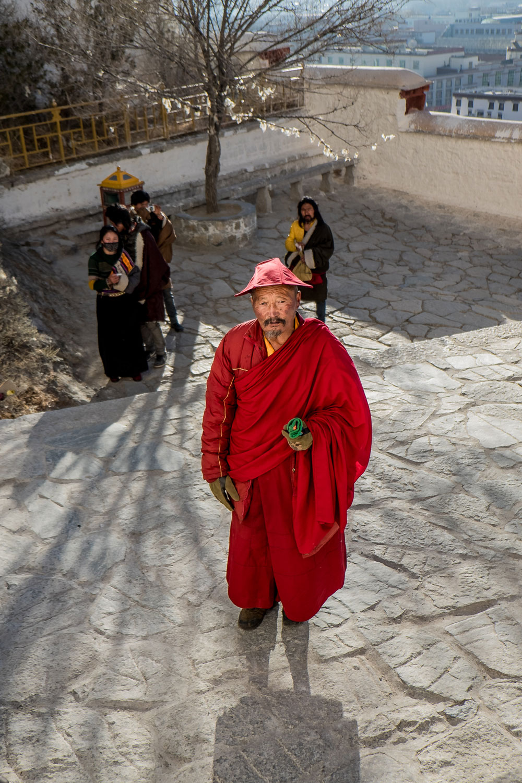 "Potala Palace, Lhasa Fuji X-E2 . Fuji XF18-55mm . 23,3mm . f/3.2 . 1/1400"" . ISO 200"