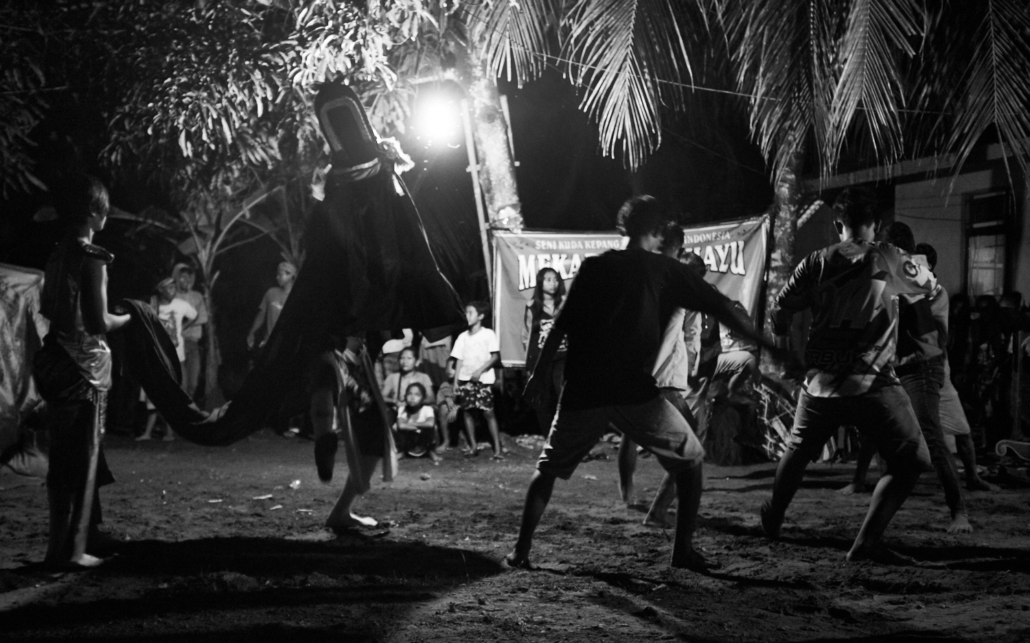 "Indonesia . Fuji X100S . 23mm . f/2 . 1/40"" . ISO 4000"