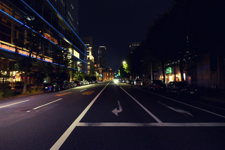 Fujifilm X-T1 + XF 16-55mm WR, @16 mm, F2.8, ISO 5000, 1/40 sec, hand-held. Ginza, Tokyo, Japan.