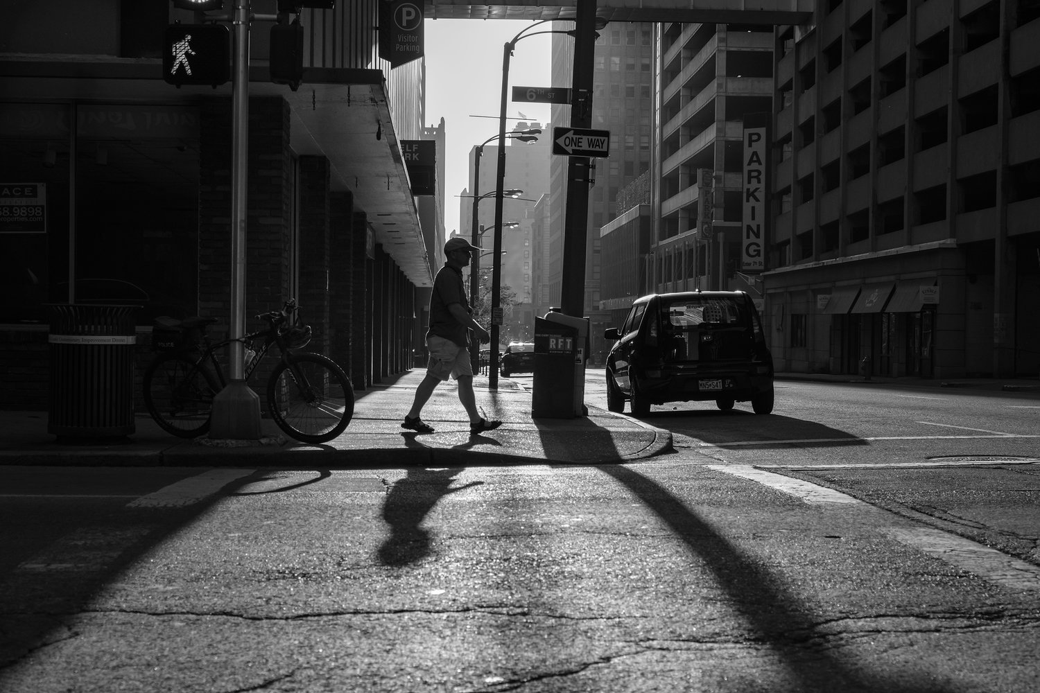 Free to Move About the City • Downtown St. Louis, Missouri. Fuji X-Pro 2 and a Fujinon XF16-55mm f2.8 at 23mm. Image exposed at ISO 200 at F5.6 for 1/500 of a second.